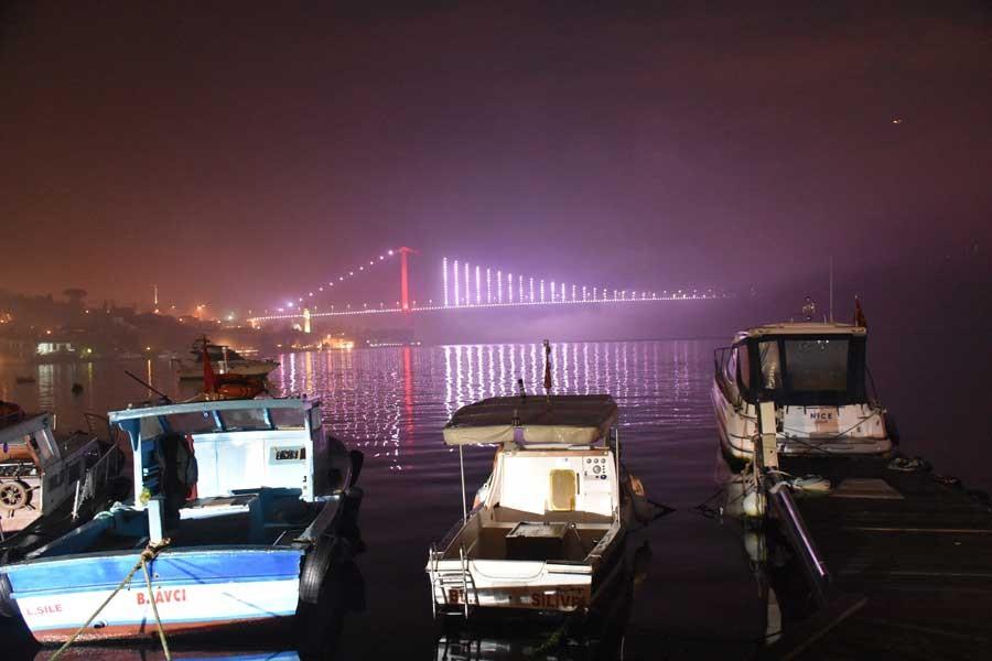 İstanbul'da sis etkisini devam ettiriyor