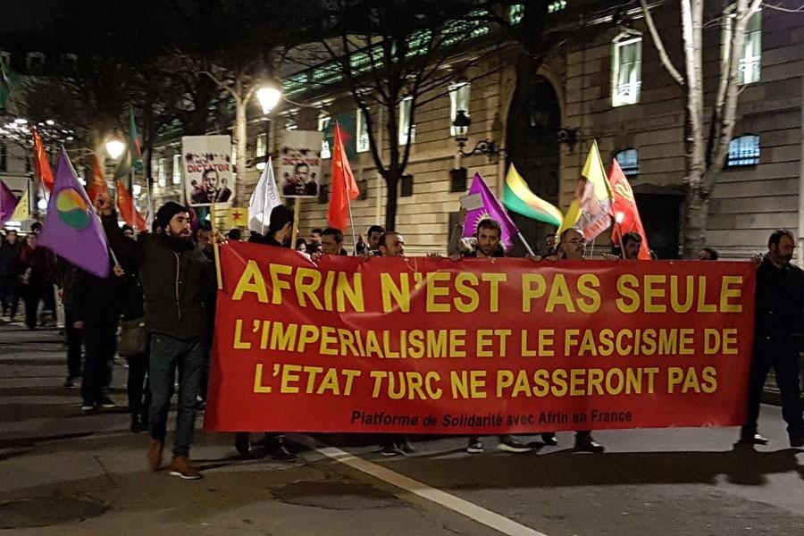 Avrupa'da gece boyunca Afrin eylemleri yapıldı