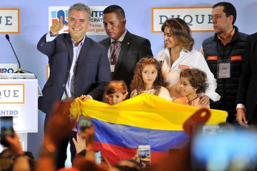 Kolombiya'da barış karşıtları seçimlerde birinci çıktı