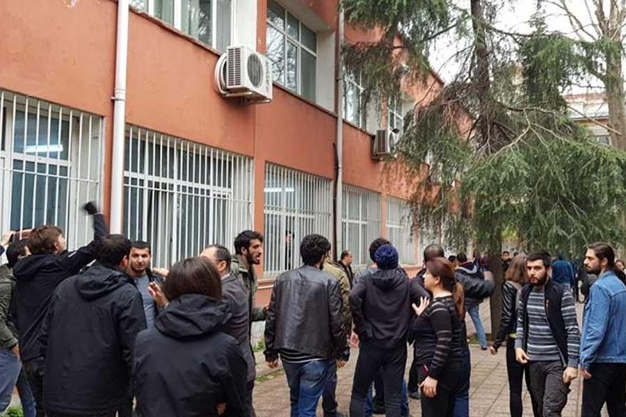 İstanbul Üniversitesinde ülkücüler öğrencilere saldırdı