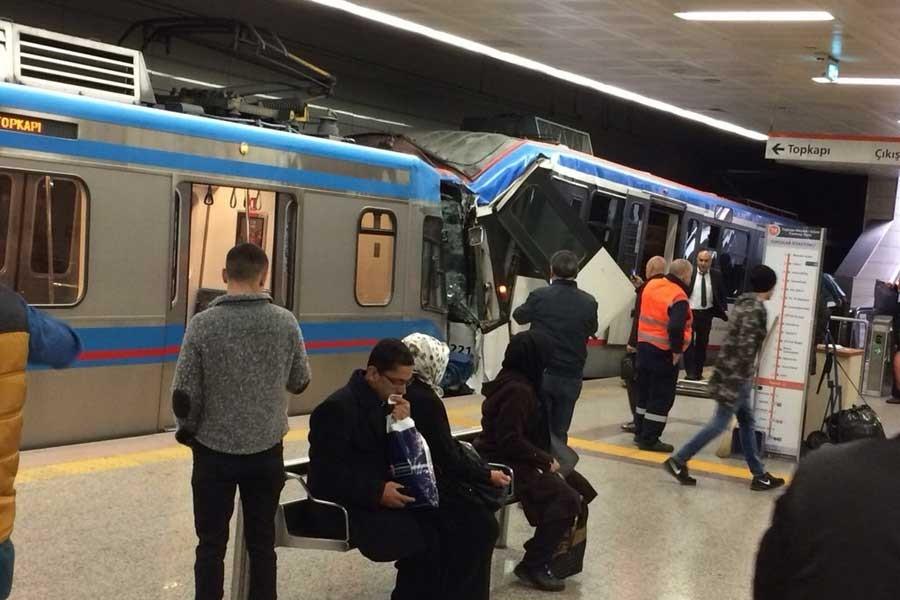 Topçular'da tramvaylar çarpıştı: 14 yaralı