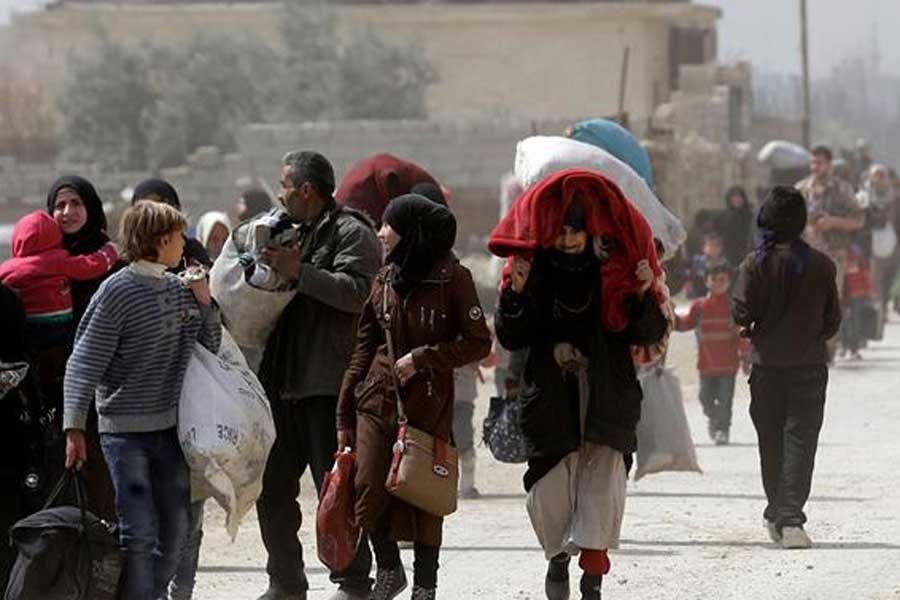 Doğu Guta'dan en az 10 bin sivil ayrıldı