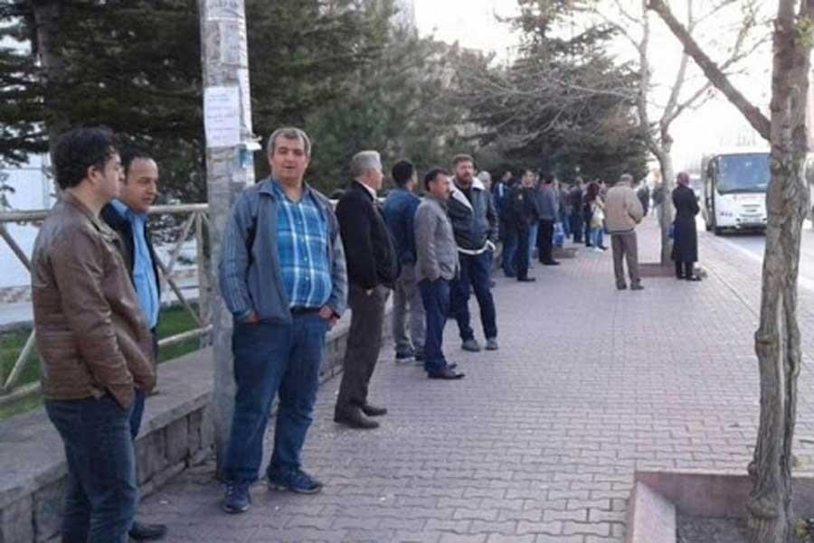 Kocaeli'de işçilere operasyona ilişkin bildiri dağıtan EMEP'liler ifadeye çağrıldı