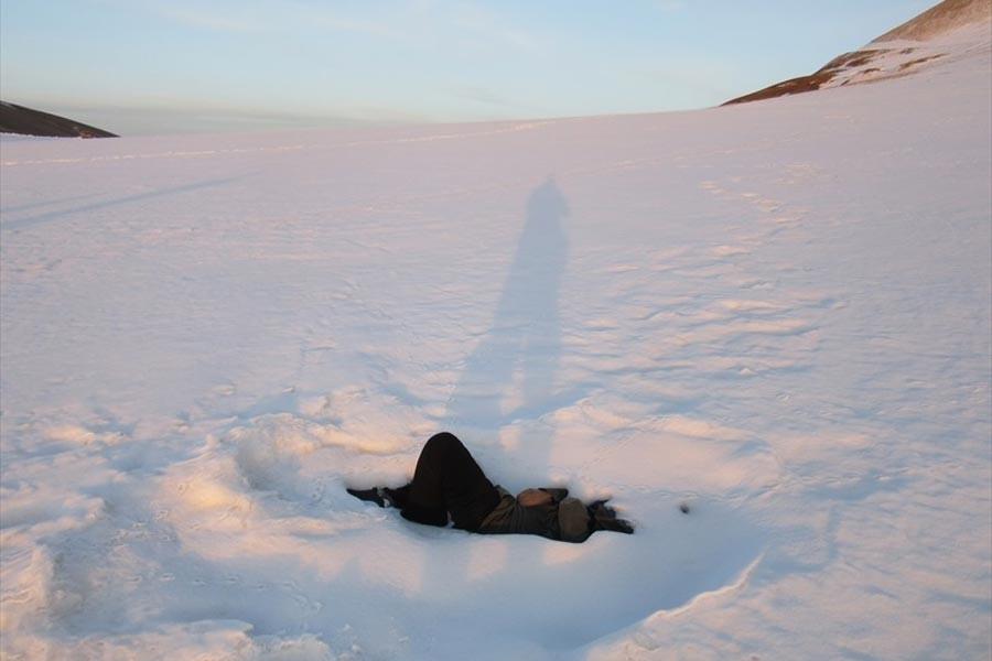 İran sınırında donmuş iki ceset bulundu
