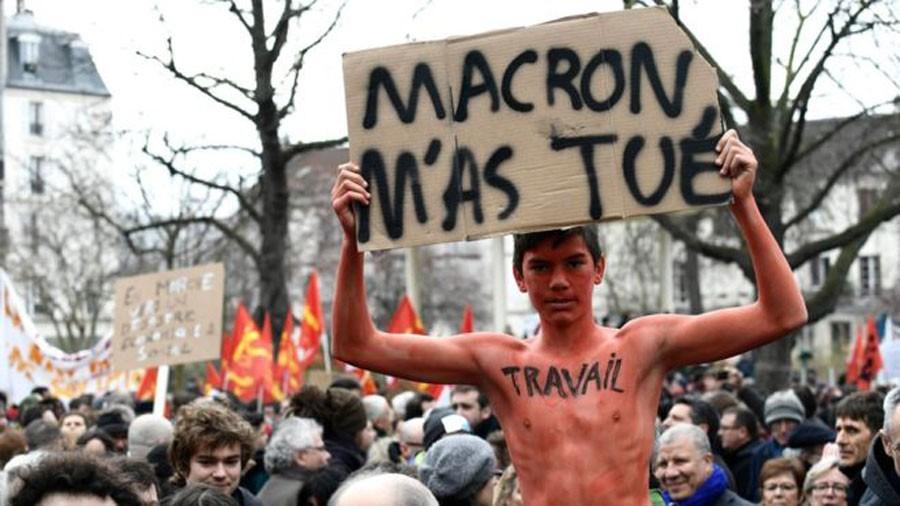 *Beni Macron öldürdü
