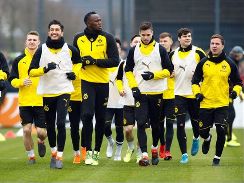 Usain Bolt, Borussia Dortmund ile idmana çıktı.