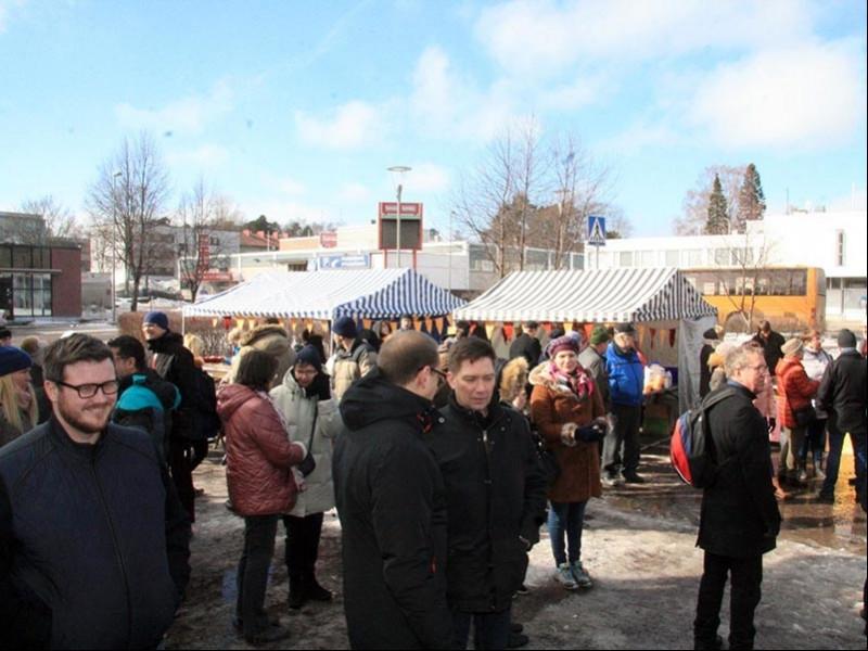 Finlandiya'da halk sığınmacılara destek verdi