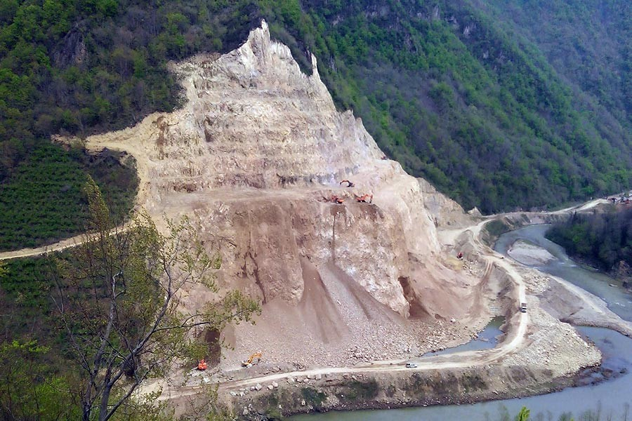 Ordu - Kurul Kalesi'nin dibindeki taş ocağı