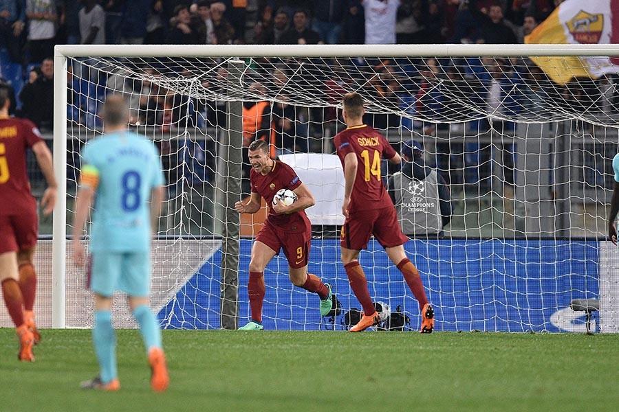 Roma, Barcelona'yı 3-0 yenerek Şampiyonlar Ligi'nde yarı finale yükseldi (Fotoğraf: Claudio Pasquazi/AA)