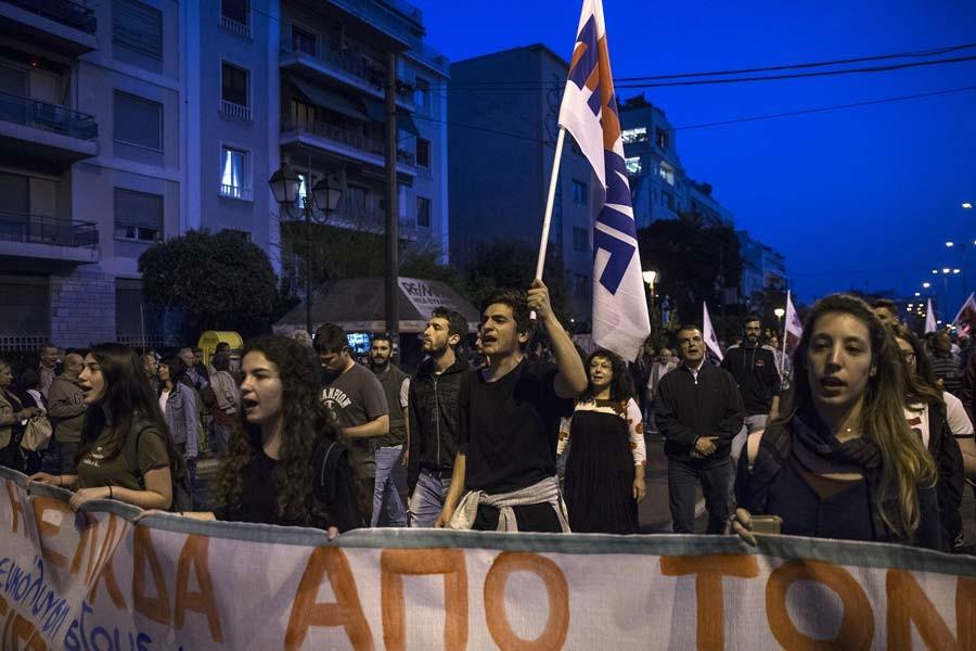 Yunanistan'da savaş karşıtı gösteriler yapıldı.