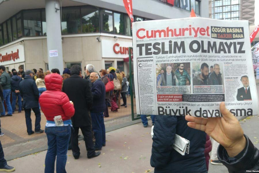 Affirmatory ruling in Cumhuriyet trial: Eight people back to jail