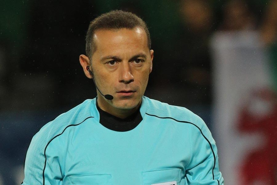 Galatasaray-Başakşehir maçını Cüneyt Çakır yönetecek