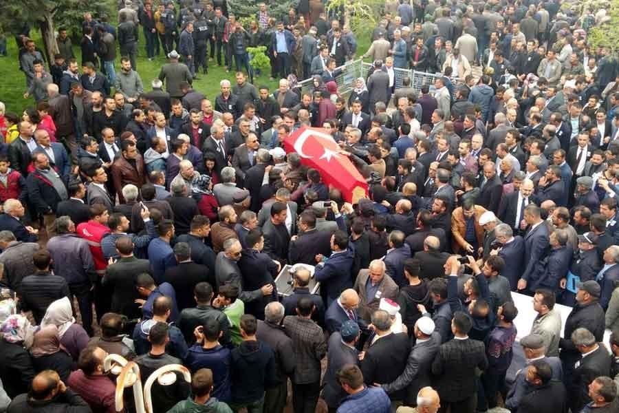 Öldürülen Yeşilgölcük Belediye Başkanı Şengül toprağa verildi
