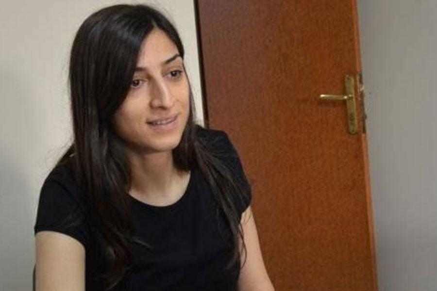 Gazeteciye hapis, ailesine sürgün