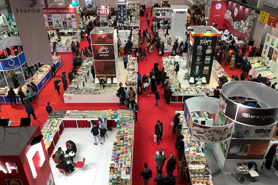 Yazarlar ve yayıncılar Erzurum Kitap Fuarını değerlendirdi