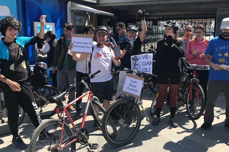 Bostancı Adalar İskelesi'nde 'Faytondan in, bisiklete bin' eylemi