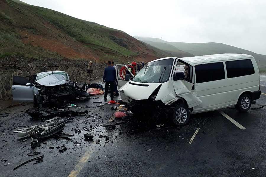 Erzurum'da feci kaza: 1'i çocuk 5 ölü, 10 yaralı