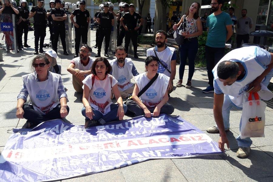 Bakırköy Meydanında kamu emekçilerine saldırı ve gözaltı