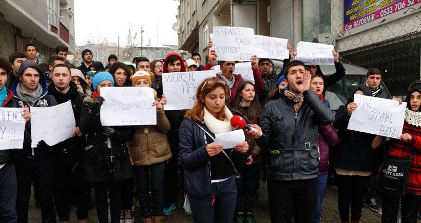 Liselilerden Özgecan protestosu