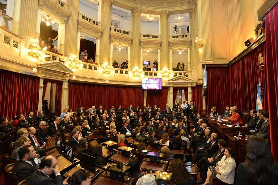 Arjantin'de ön seçim sonuçları: Pezo yüzde 30 değer kaybetti