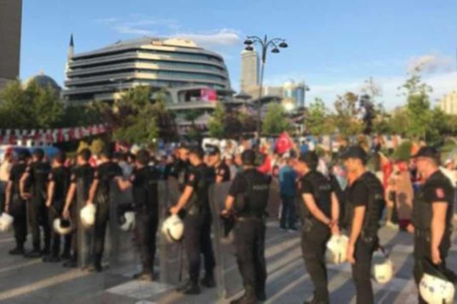 Kılıçdaroğlu'nun canlı yayına katılacağı alanda gerginlik