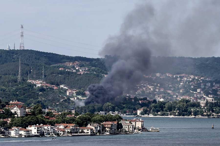 Beykoz'da, film platosu olarak kullanılan eski fabrikada yangın çıktı
