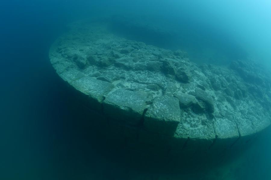 Van Gölü'nde kale kalıntısına rastlandı