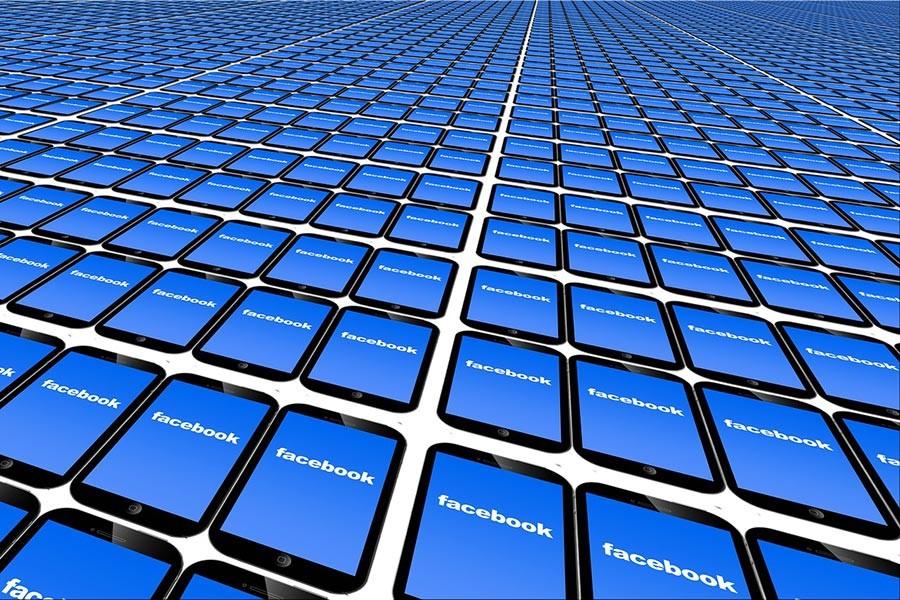 Facebook, televizyonu da kontrol etmenin peşinde