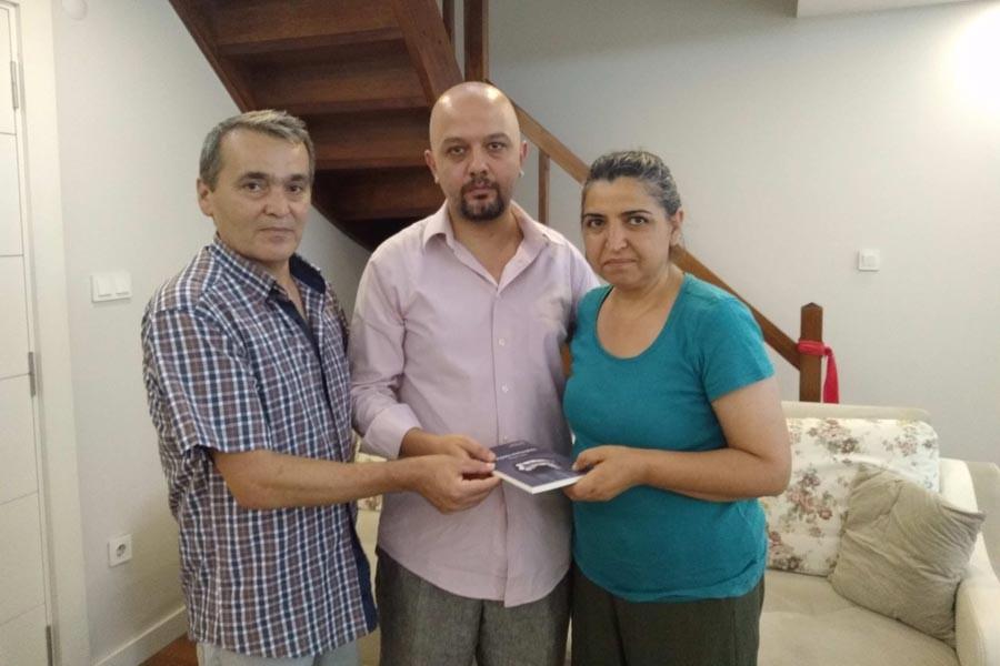 Yazar Cem Kertiş, Berkin Elvan'ın ailesini ziyaret etti