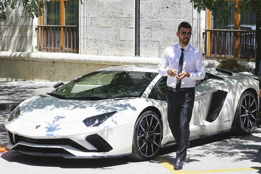 Kenan Sofuoğlu Lamborghini'yle 'mesaj vermiş': Gelebilen gelsin