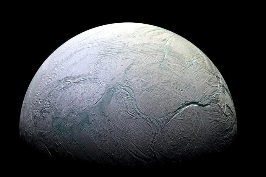 Enceladus'ta yaşam için gereken koşullara dair kanıtlar bulundu
