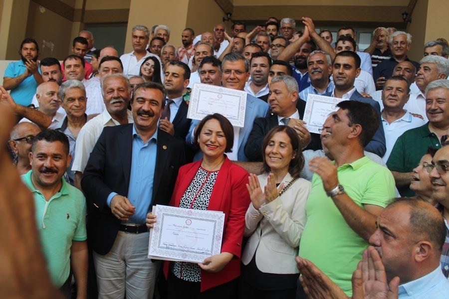 HDP, CHP ve İYİ Parti Adana Milletvekilleri mazbatalarını aldı