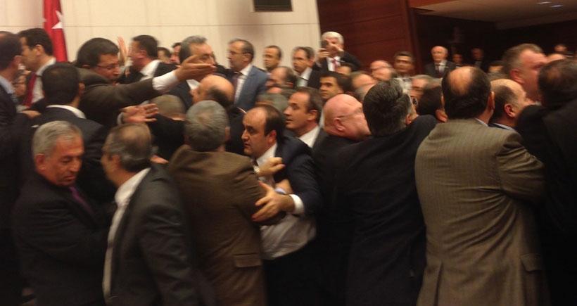 AKP'li Saral: Sebahat Tuncel'e vurmadım sadece ittim