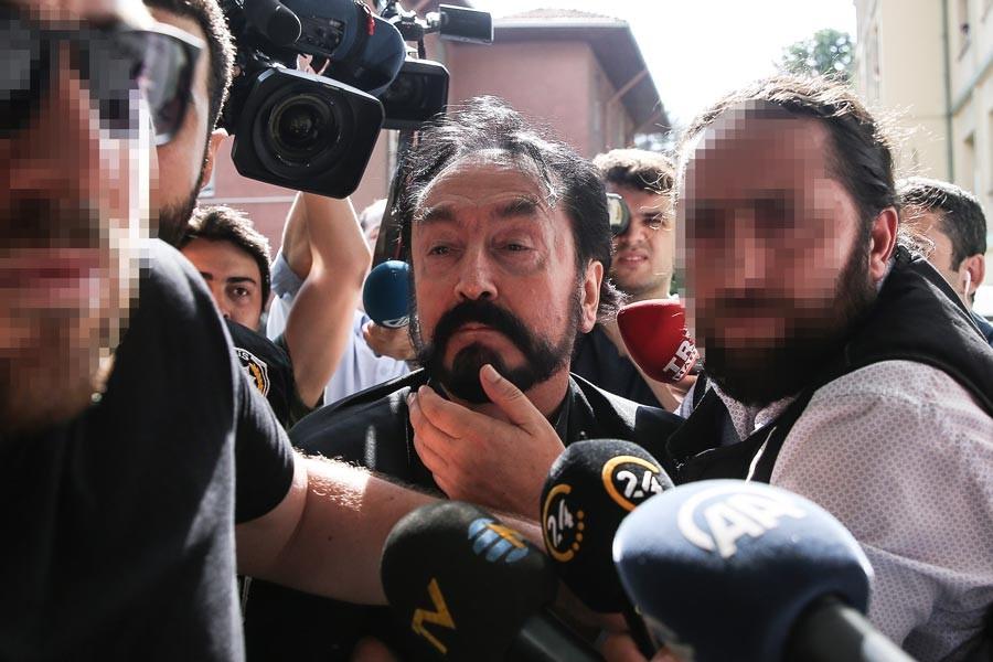 Adnan Oktar ve grubu hakkında operasyon sonrası 45 şikayet