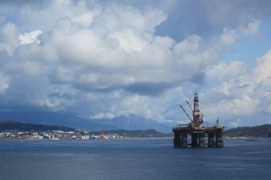 Norveç'te petrol platformunda çalışan işçiler greve başladı