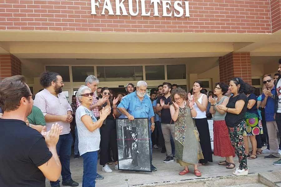Abant İzzet Baysal Üni.'de ihraç edilen akademisyenler uğurlandı
