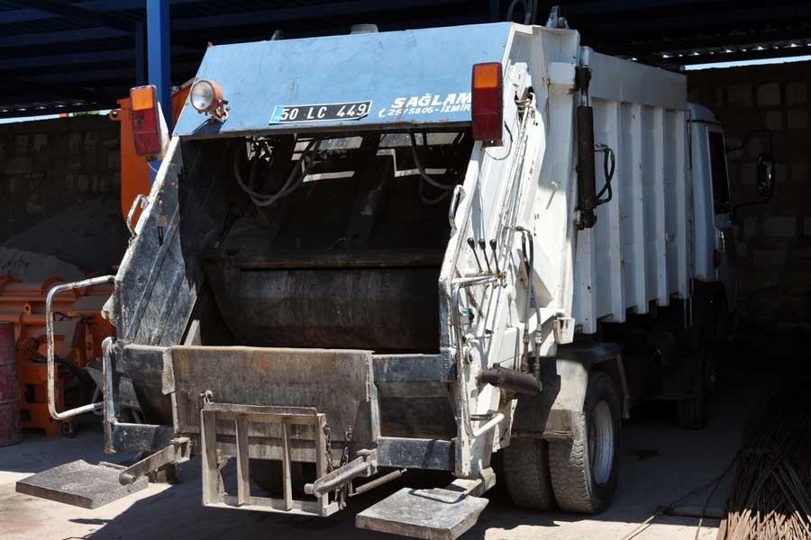 Köpeklerin çöp kamyonuna atıldığı görüntülere dair açıklama