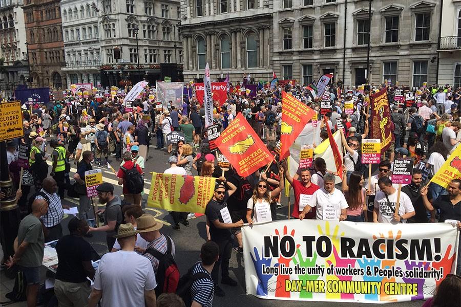Londra'da ırkçılara büyük tepki