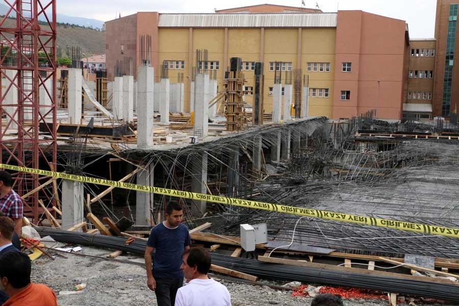 Erzincan'da hastane inşaatındaki göçükte 8 işçi yaralandı