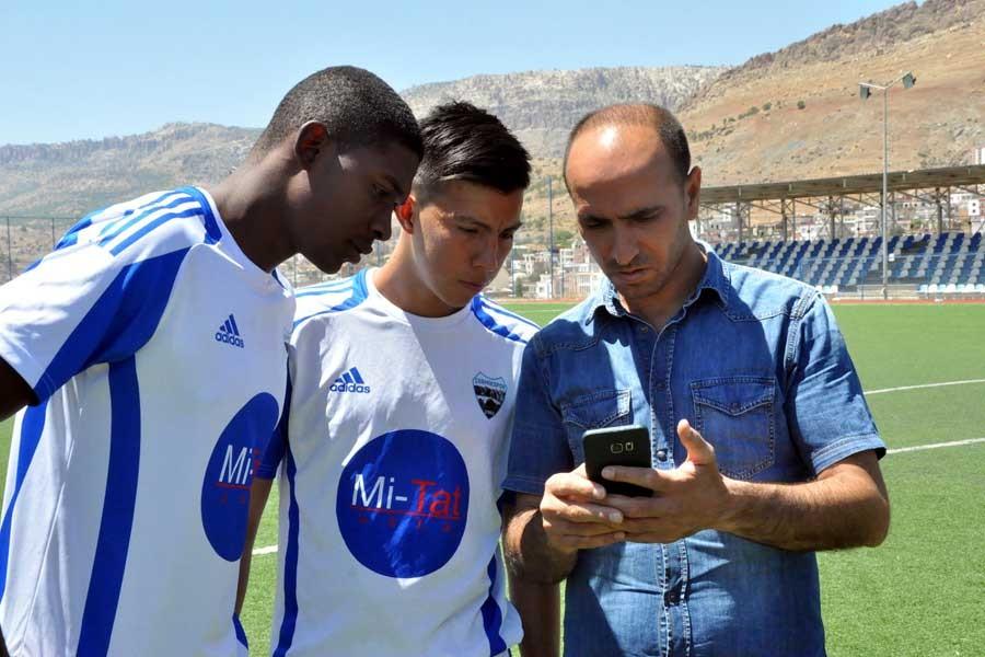 Çermikspor'un Kolombiyalı futbolcuları çeviri programıyla anlaşıyor