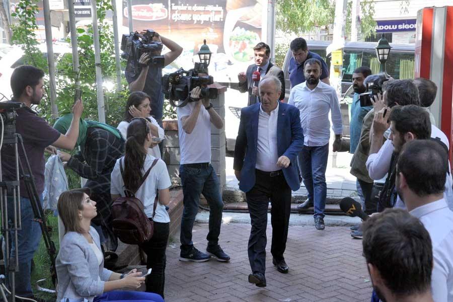 Abdulkadir Selvi: Muhalefette kongre, AKP'de yerel seçim hazırlığı