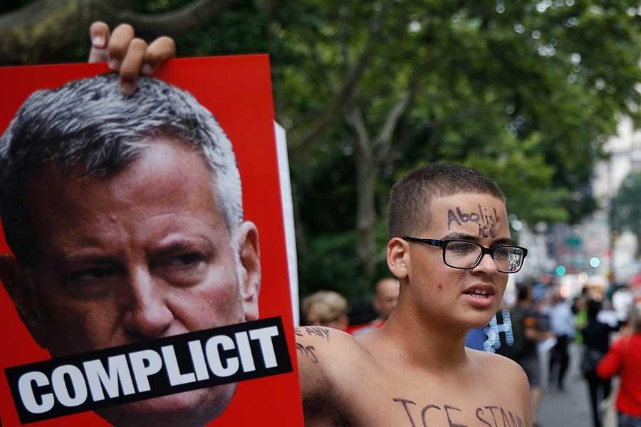 New York'ta sınır dışı edilen göçmenlere destek eylemi