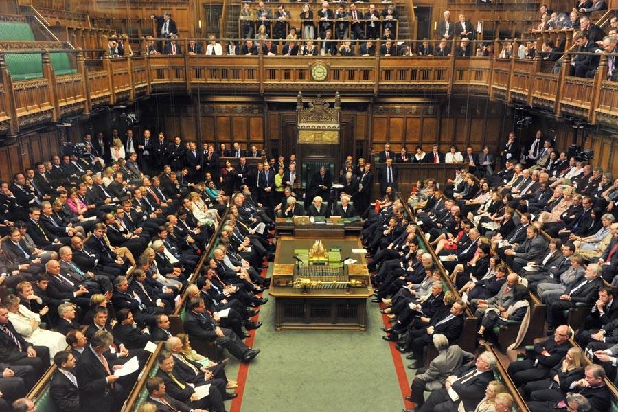İngiliz parlamentosundan 'yardım sektöründe cinsel istismar' raporu