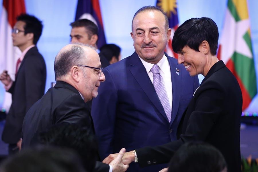 Mevlüt Çavuşoğlu, ABD Dışişleri Bakanı Pompeo ile görüştü