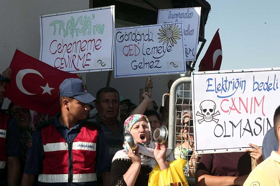 Kırklareli'de halk termik santral ÇED toplantısını engelledi
