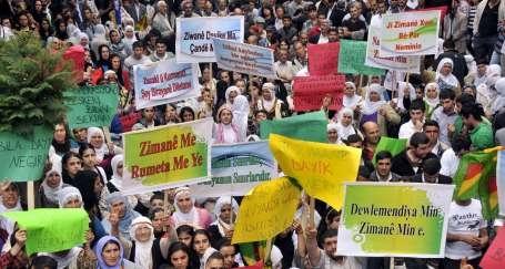 HDP: Ana dile yasak insanlık suçudur