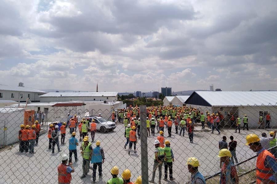 Etlik Şehir hastanesi inşaatında işçilerin yemek isyanı