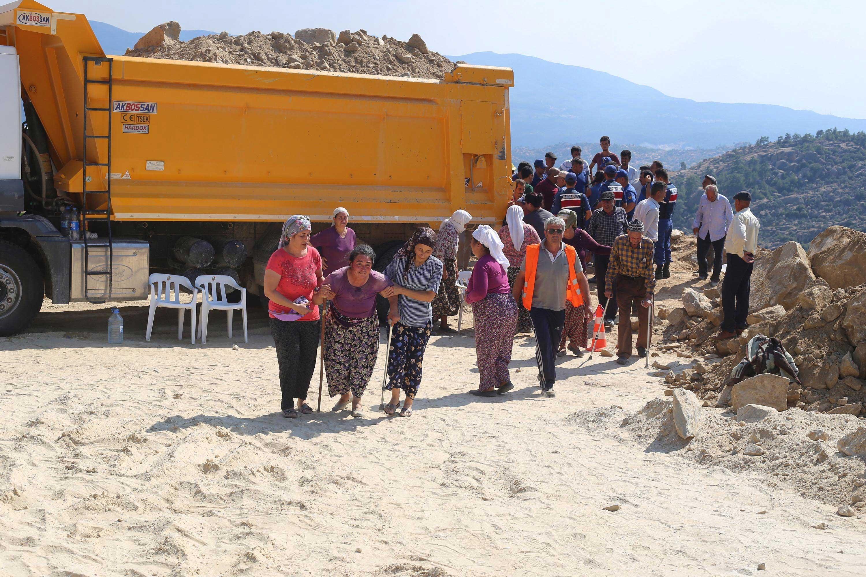 Muğla'da maden ocağında üzerine kaya parçası düşen işçi öldü