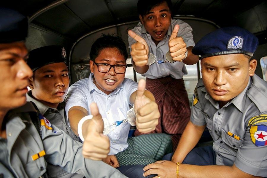 Myanmar'da iki Reuters muhabirine 7'şer yıl hapis cezası verildi
