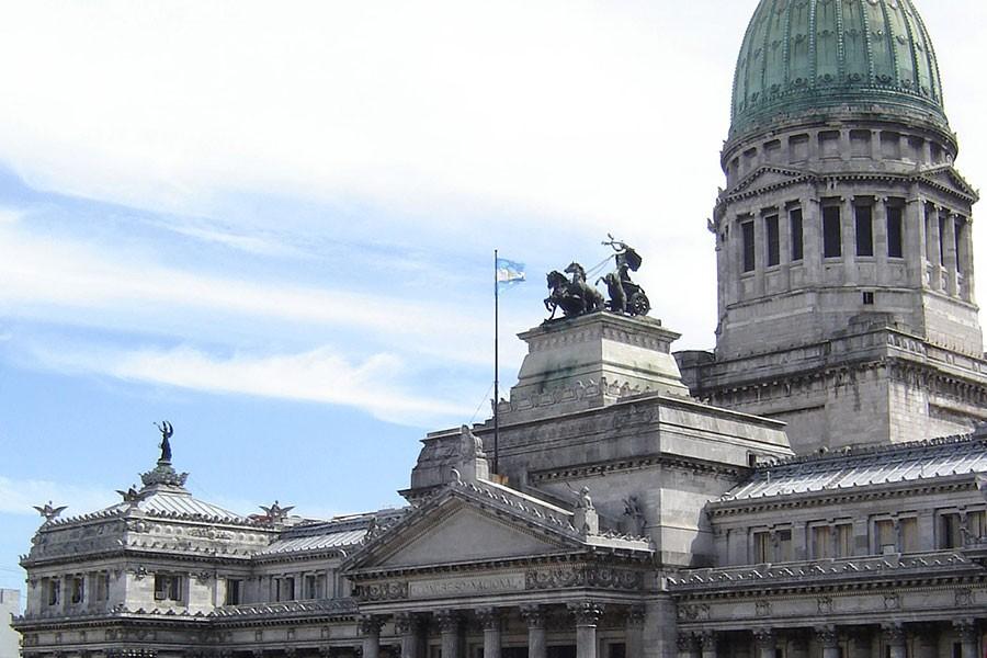 Arjantin Devlet Başkanı Macri ülkeyi ekonomik çöküşe sürüklüyor